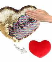Woondecoratie hartjes kussens goud rood metallic met pailletten 50 cm